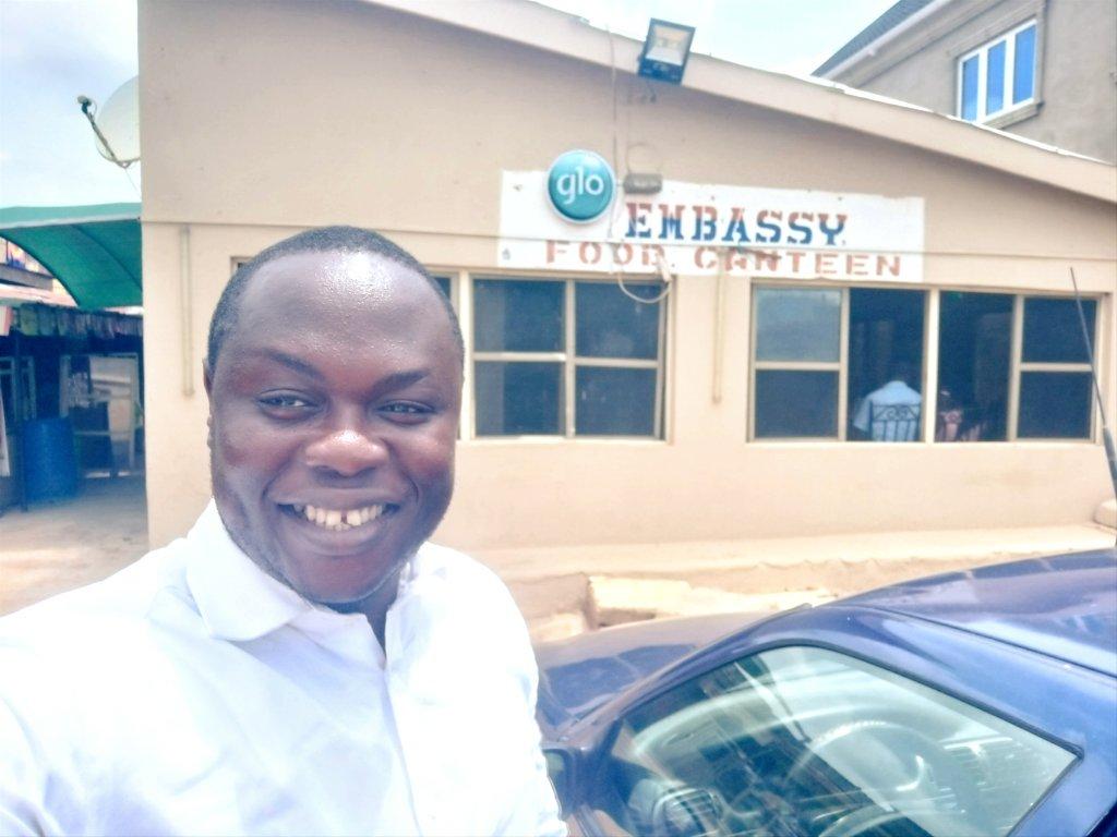 Lawyer Buys Two Bottles Of Soda To Celebrate Potholes In Lagos (Photos)