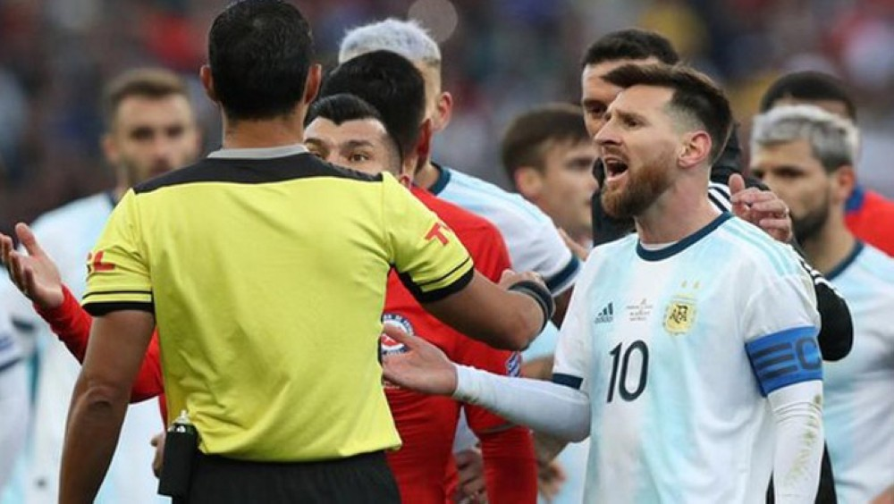 Messi Would Be Suspended Six Months For Conject Attacks - Journalist