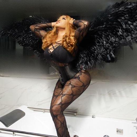 Toyin Lawani Flaunts Her Bare Bum In Revealing Lingerie (Photos)