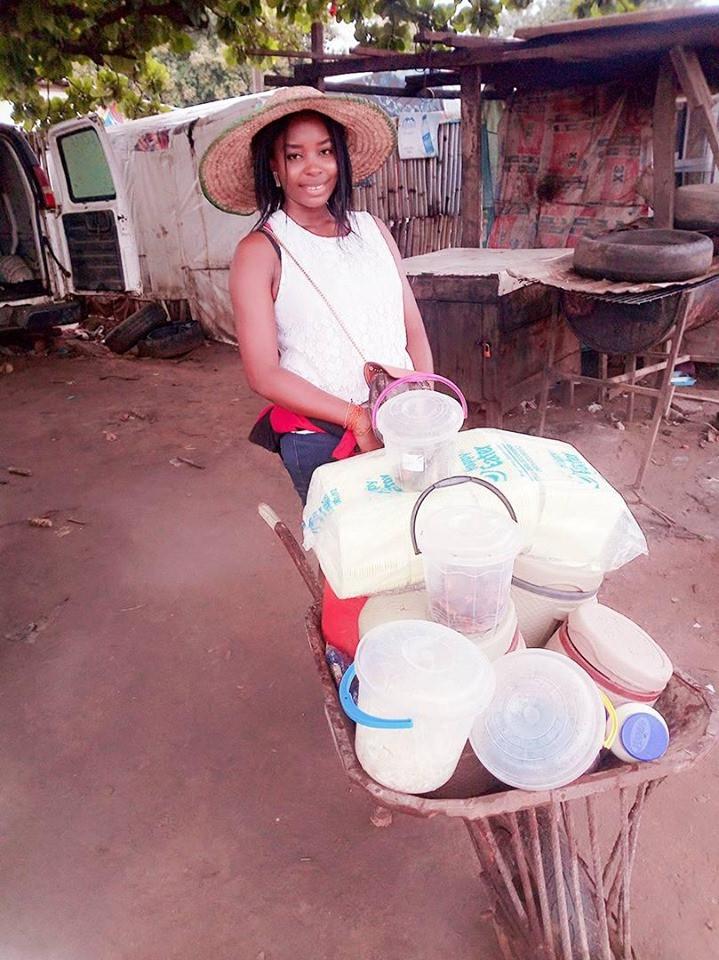 I Make More Money Than Salary Earners – Graduate Who Sells Food Using A Wheelbarrow 8