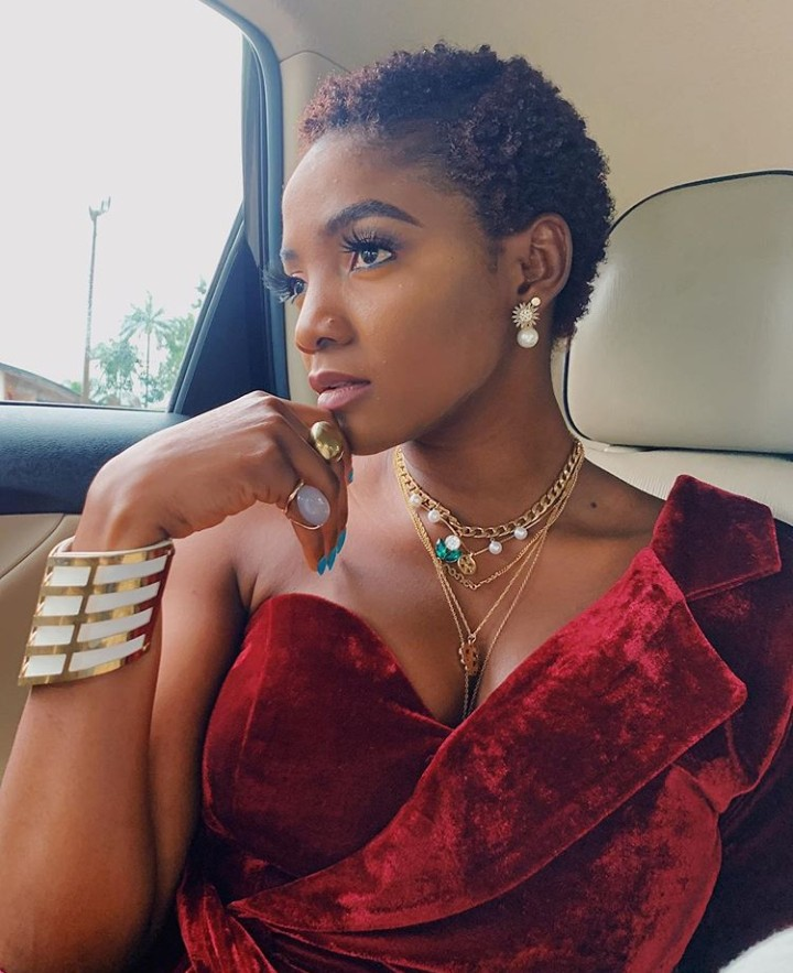 Watch Video Of Simi Dancing Zanku At An Event in Anambra