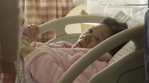 67-Year-Old Chinese Woman Gives Birth To A Baby Naturally
