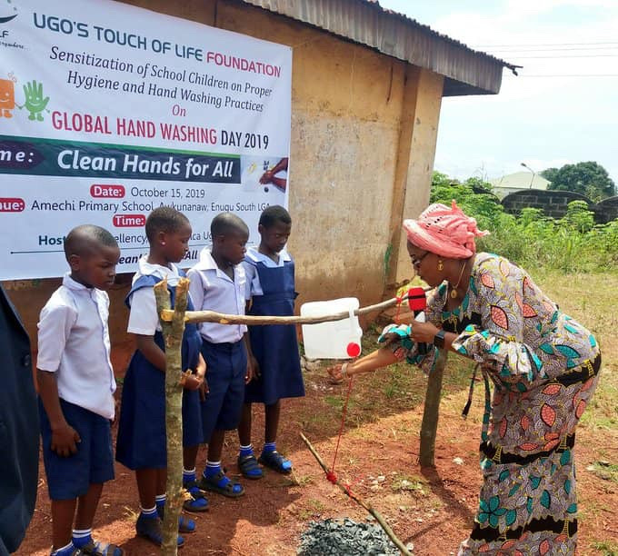 Enugu First Lady, Monica Ugwuanyi Commissions Tippy Taps For Primary School Pupils (photos) 16