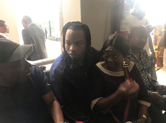 Naira Marley Poses In Court With Mother (photo) 10