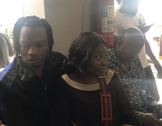 Naira Marley Poses In Court With Mother (photo) 9