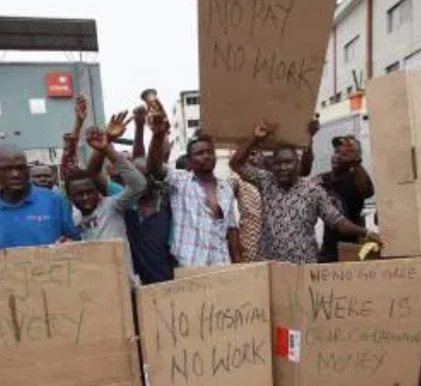 Angry Workers Locks Up LG Boss Over Unpaid Salary 3