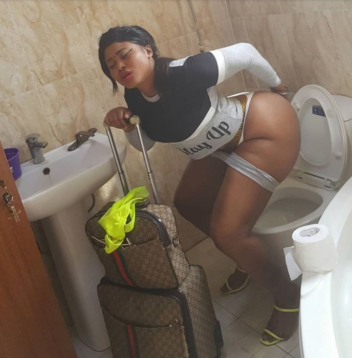 Actress Pat Ugwu Joins Etinosa In Taking Photo Of Her Naked Butt 5