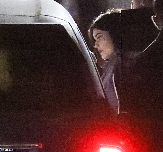 Kylie Jenner Spotted With Ex Tyga Shortly After Splitting Up With Baby Daddy Travis Scott 17