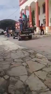 Protesters Ties Mexican Mayor To a Truck, Drags Him Through The Streets For Failing To Keep To Campaign Promises 6