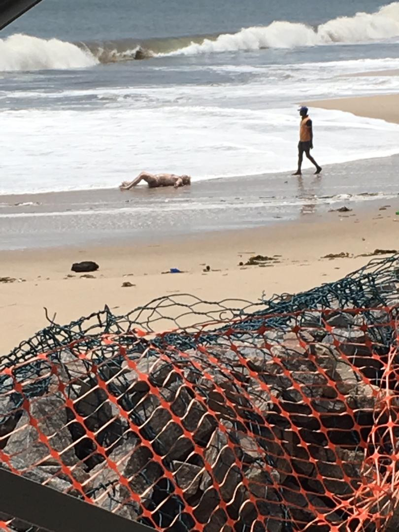 Photos: female Corpse Washes Ashore At Beach In Lekki 13