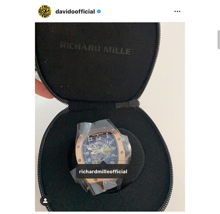 The Watch Wizkid Gifted His Manager Is Reportedly FAKE 7