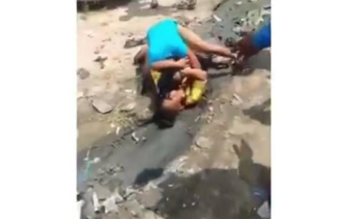 Two Ladies Fight Dirty Over A Man In Ojo, Lagos (Video)