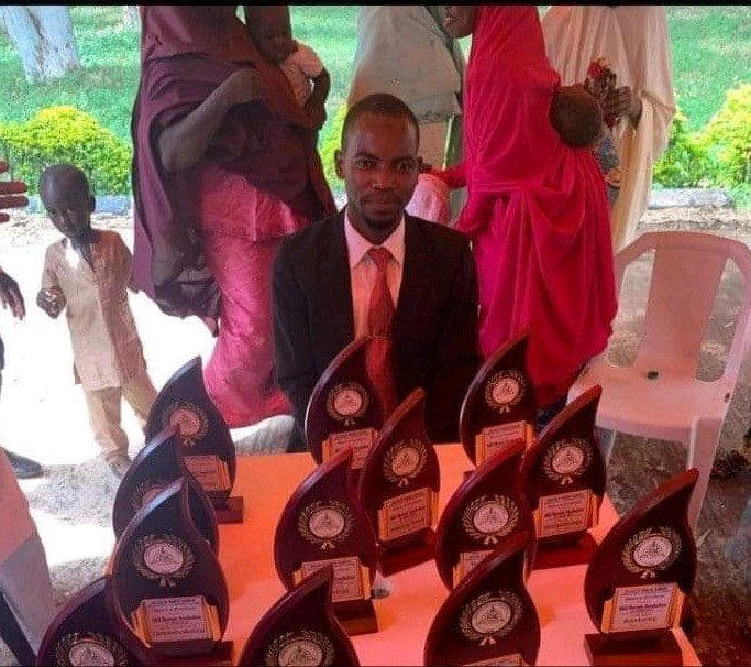 Best Graduating Medical Student From ABU Zaria Bags 13 Awards 5