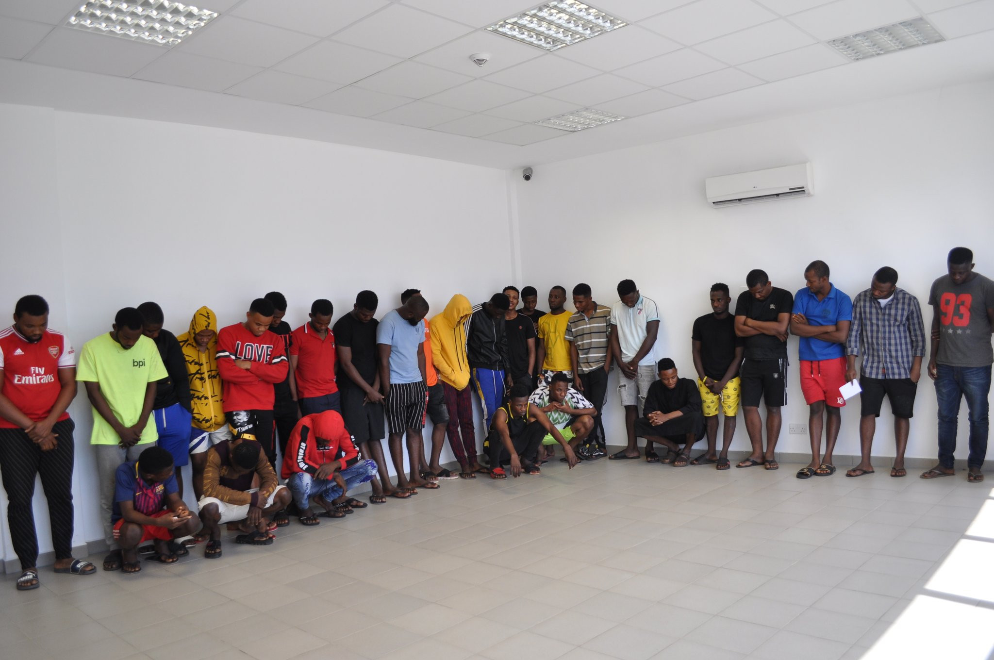 16-Year-Old Boy, 18 Others Suspected Fraudsters Arrested For Internet Fraud In Imo State (Photos)