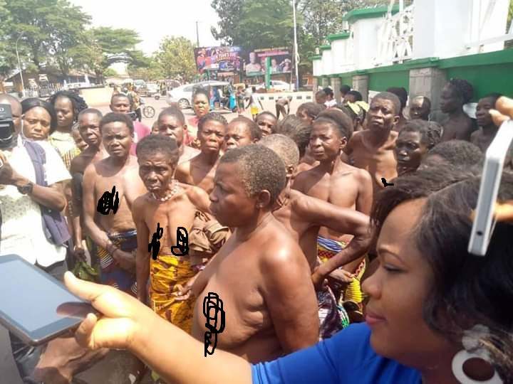 Over 100 Ebonyi Women Protest Nak£d Over Unlawful Detention Of Their Children By Security Agents (Photos) 12