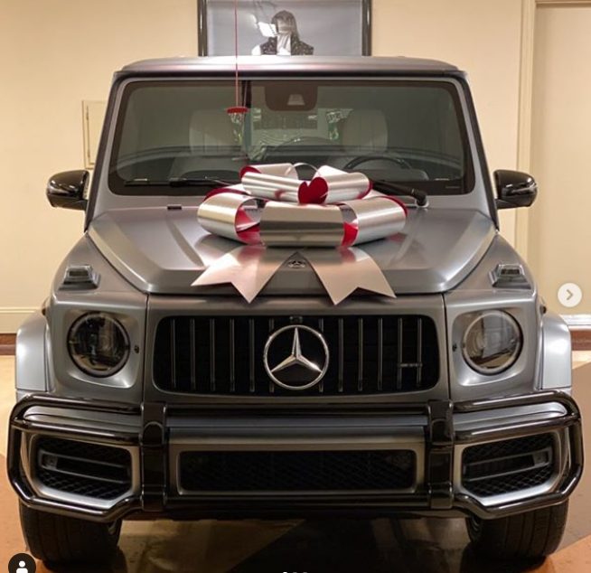 Floyd Mayweather Gifts His 19-Year-Old Daughter G-Wagon As Christmas Gift (Photos) 6