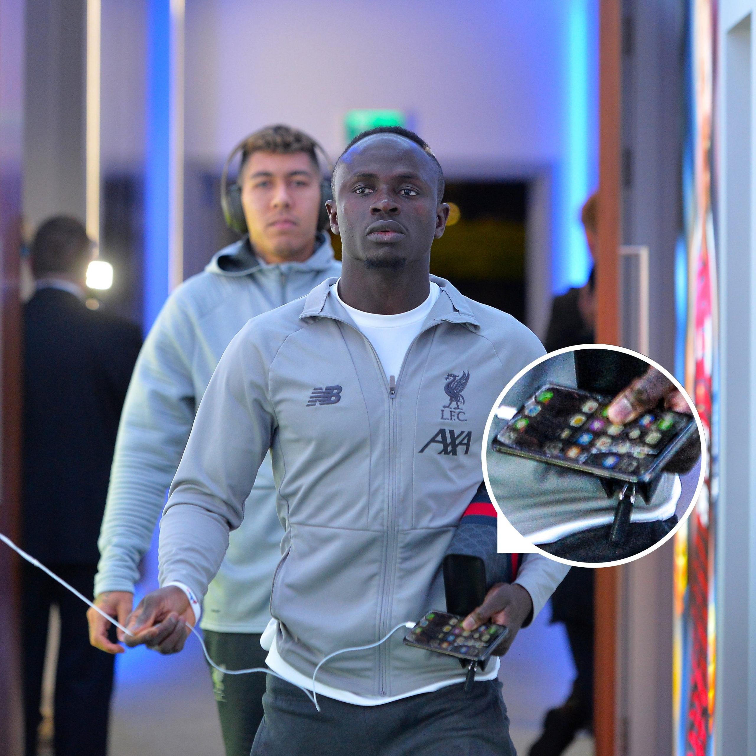 Sadio Mane's Phone With Cracked Screen Shocks Fans (Photos)