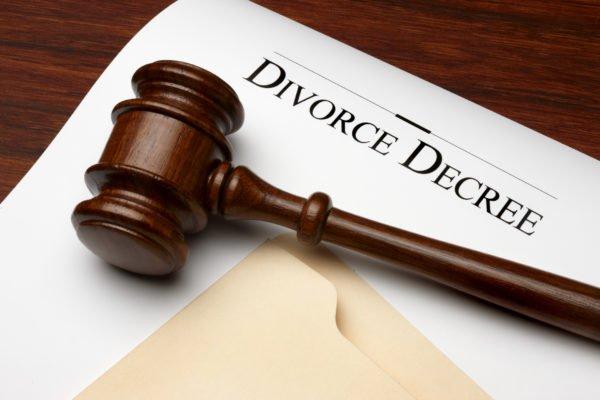 """""""Refund My N45,000 Dowry Before Leaving"""" — Man Tells Wife Seeking Divorce"""