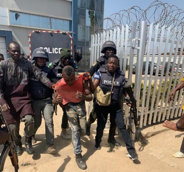 Robbery: More Photos From Abuja Robbery Attempt 29