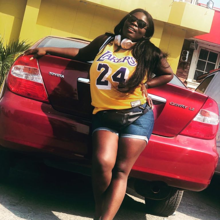 'Tacha Is Senseless' – Nigerian Lady Blasts Tacha Over Her Titans Collection (Video) 6