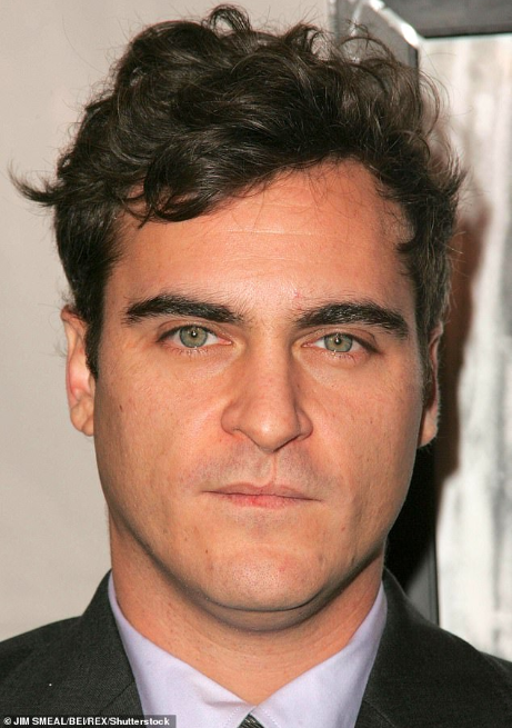 Wendy Williams Called Out For Mocking Joaquin Phoenix's 'Cleft Lip' On Her Talk Show 9