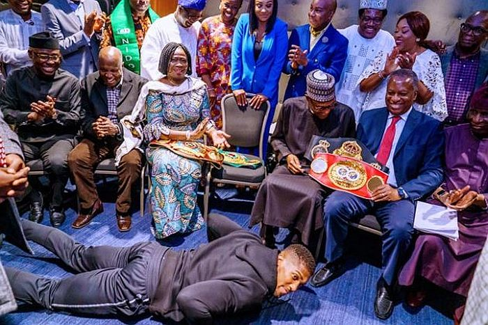 Anthony Joshua Prostrates While Presenting Heavyweight Titles To Buhari In UK (Photos) 7