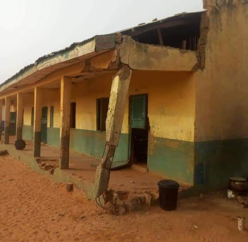 See Primary School In Kebbi Where Pupils Sit On Bare Floor (Photos)
