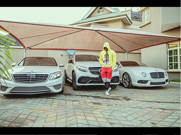 Singer, Kizz Daniel Flaunts His Garage (Photo)