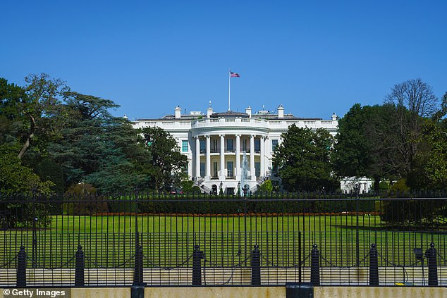 Man With Knife Arrested Outside The White House After Saying He's There To 'Assassinate Donald Trump'