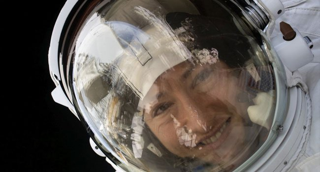US Female Astronaut Lands Back On Earth After 328 Days In The Space (Photos)