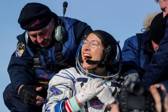 US Female Astronaut Lands Back On Earth After Using 328 Days In The Space (Photos)