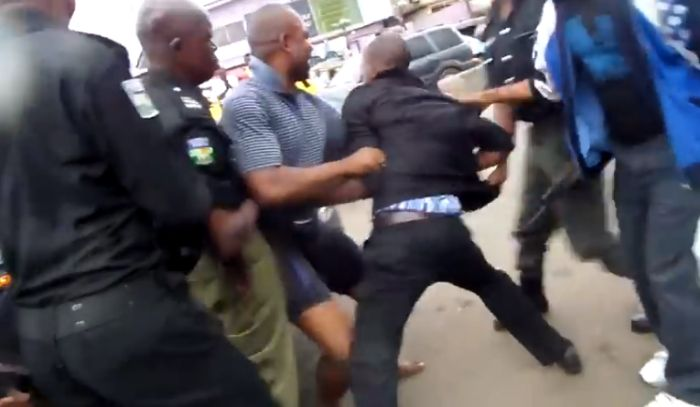Police Apprehends Police Officer For Collecting Bribe In Lagos