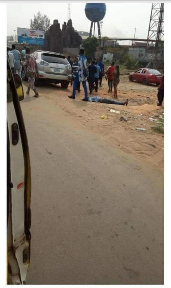 GOBE! Taxi Driver Scratches Man's Car, Angry Man Throws One Punch, Taxi Driver Dies Instantly (Photos)
