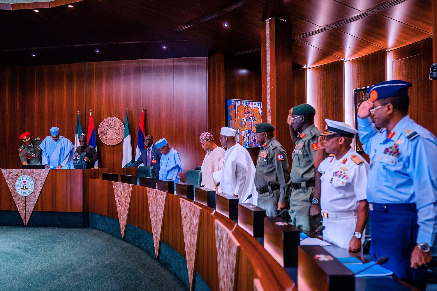 Buhari Meets With APC Governors Over Party Crises