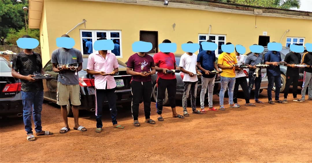 EFCC Arrests 10 `Yahoo Boys' In Enugu State