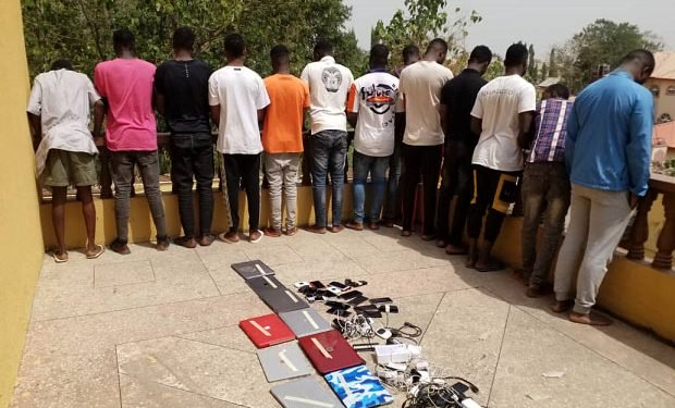 EFCC Arrests 13 'Yahoo Boys' In Kwara
