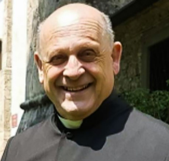 #COVIDー19: Italian Priest Dies After Giving His Respirator To Younger Patient