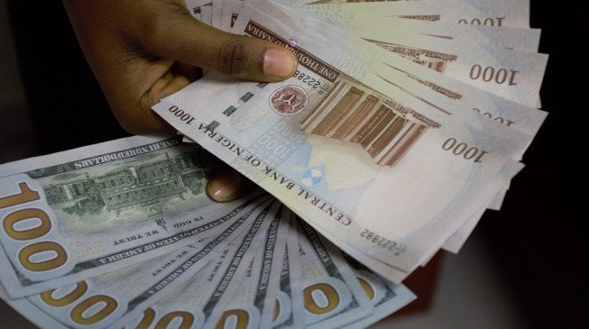 Naira Loses Value; Now 390/$