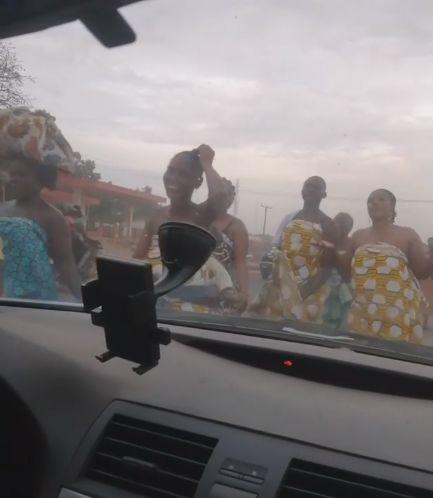 "Ogun Women Go Topless To Make ""Sacrifice To Send Away Coronavirus"" (Photo)"