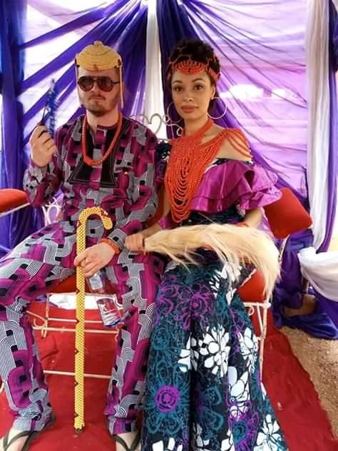 White Man Rocks Slippers To His Traditional Wedding To Igbo Lady In Enugu (Photos)