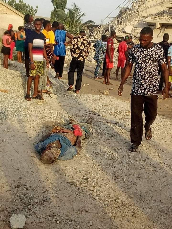Many Feared Dead As 8-Storey Building Under Construction Collapses In Imo (Photos) 15