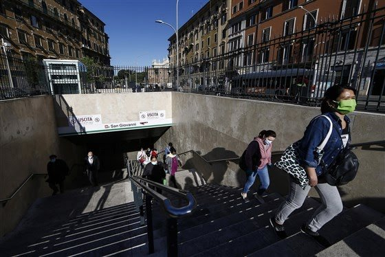 Over 4 Million People Hit The Streets Of Italy As Gov't Eases Coronavirus Lockdown Orders (Photos) 5