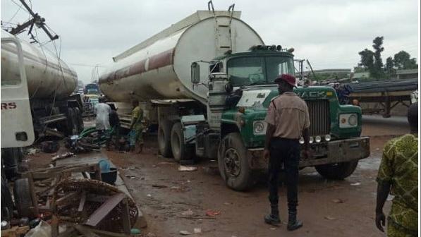 Five Vehicles Crash In Anambra 2