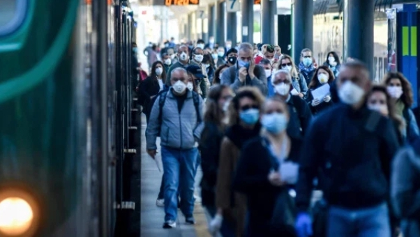 Over 4 Million People Hit The Streets Of Italy As Gov't Eases Coronavirus Lockdown Orders (Photos)