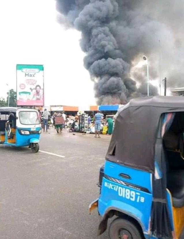 Ogbogonogo Market Asaba On Fire 4