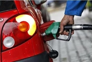 FG Reduces Petrol Pump Price To N121.50/Litre