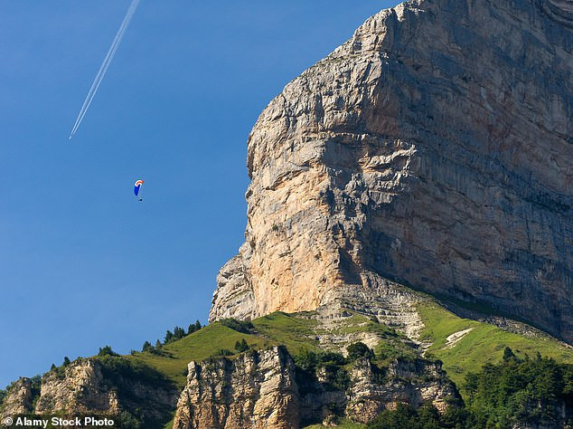 16-Year-Old French Climber, Luce Douady, Dies After Falling Off Cliff (Photos)