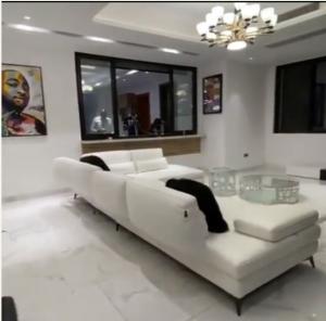 Davido Displays Beautiful Interiors Of His House: New Banana Island Mansion 10