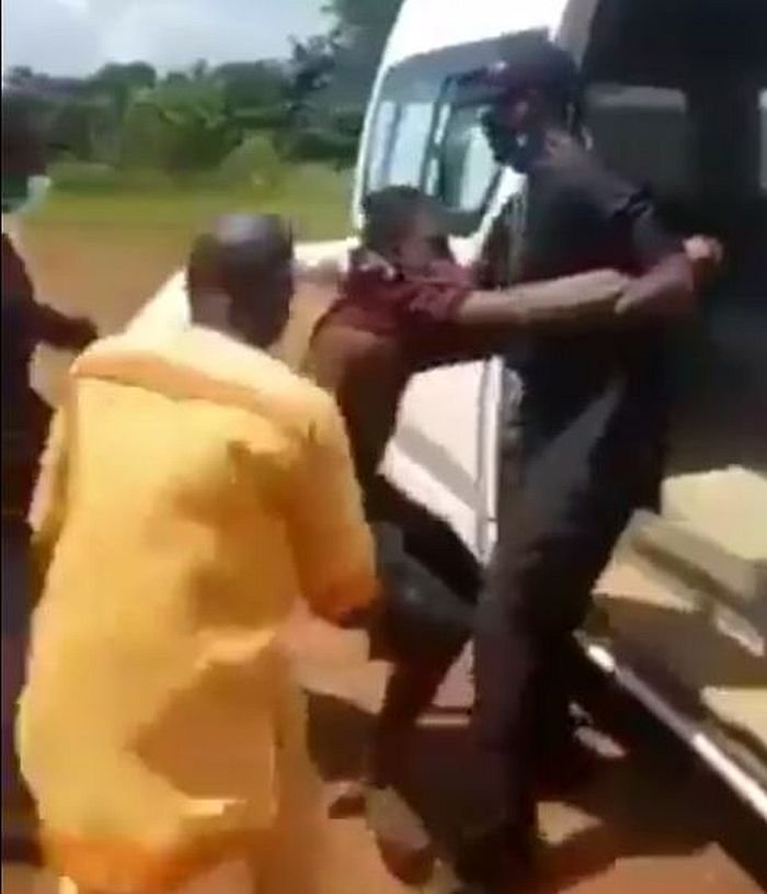 Suspected COVID-19 Patient Refuses To Enter Ambulance in Ebonyi (Video)