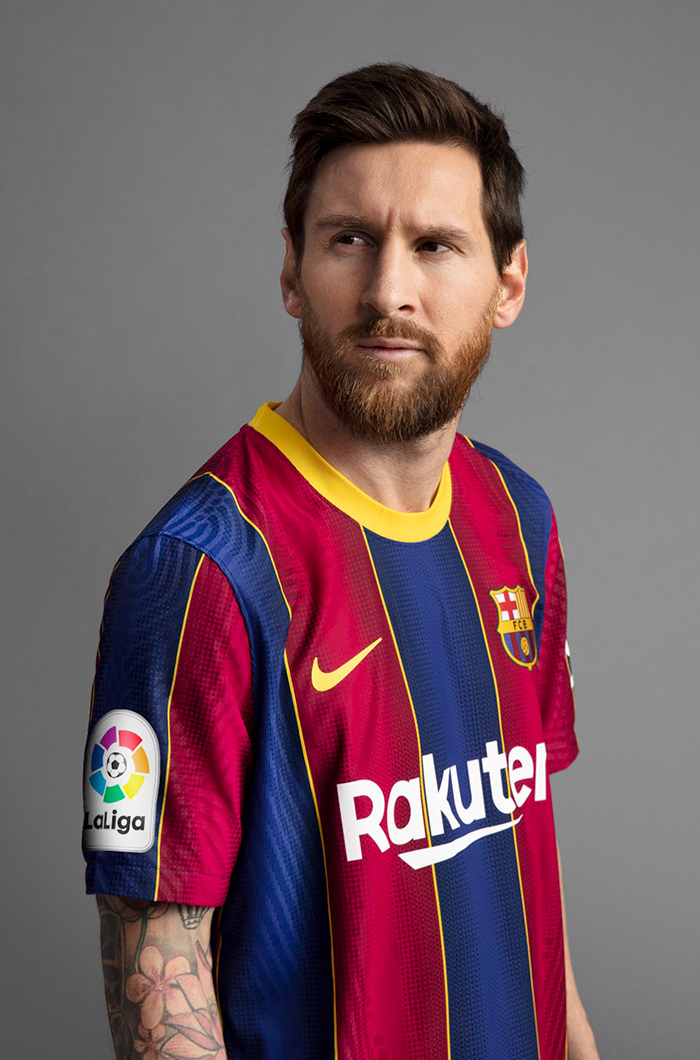 Lionel Messi In Barcelona's New Kit Is The Best Thing You'd See Today (Photos) 6